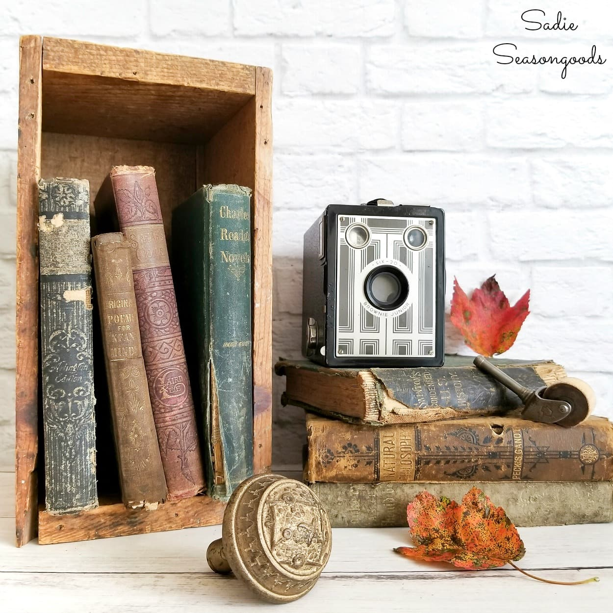 Decorating ideas for old books as vintage home decor