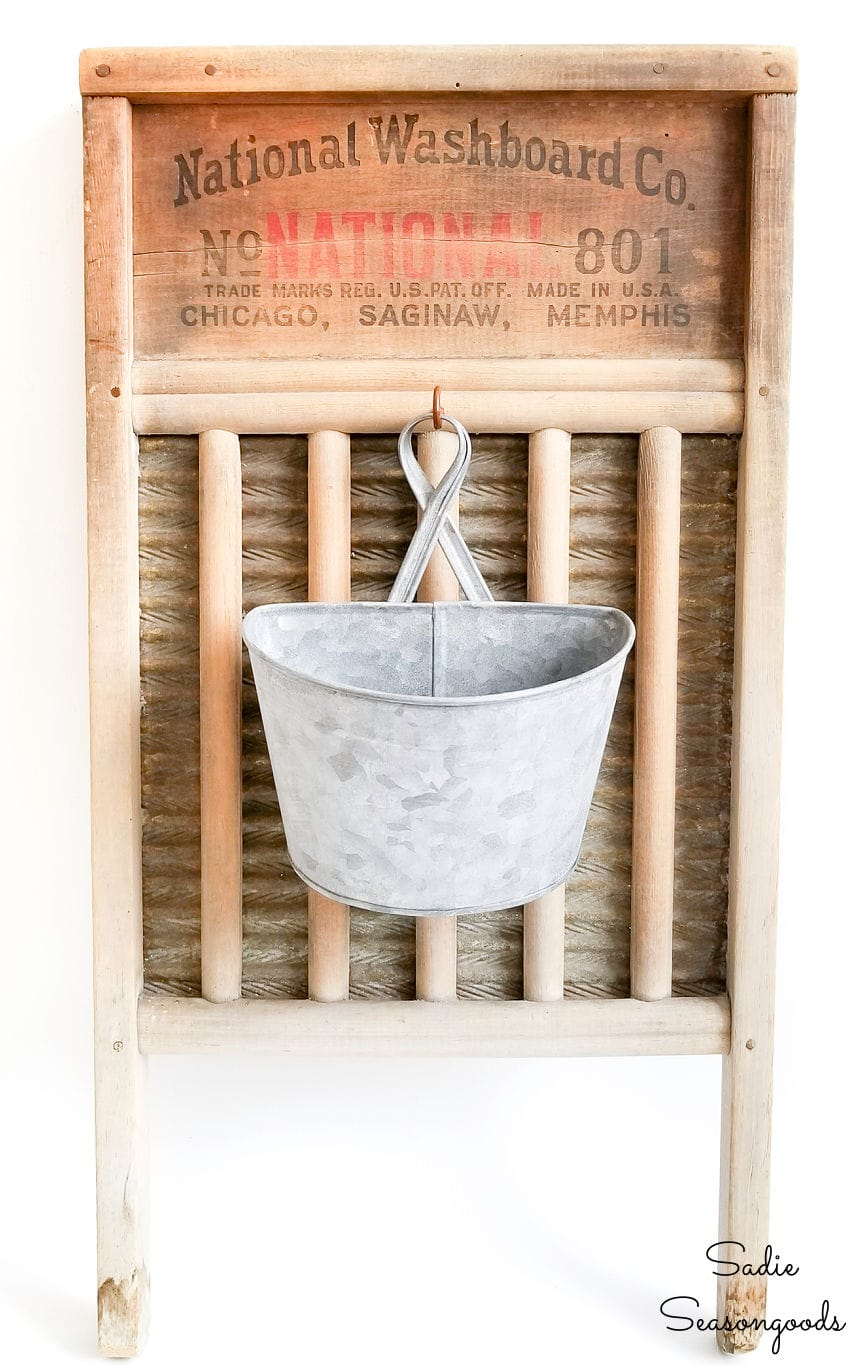 Lint bucket for laundry room