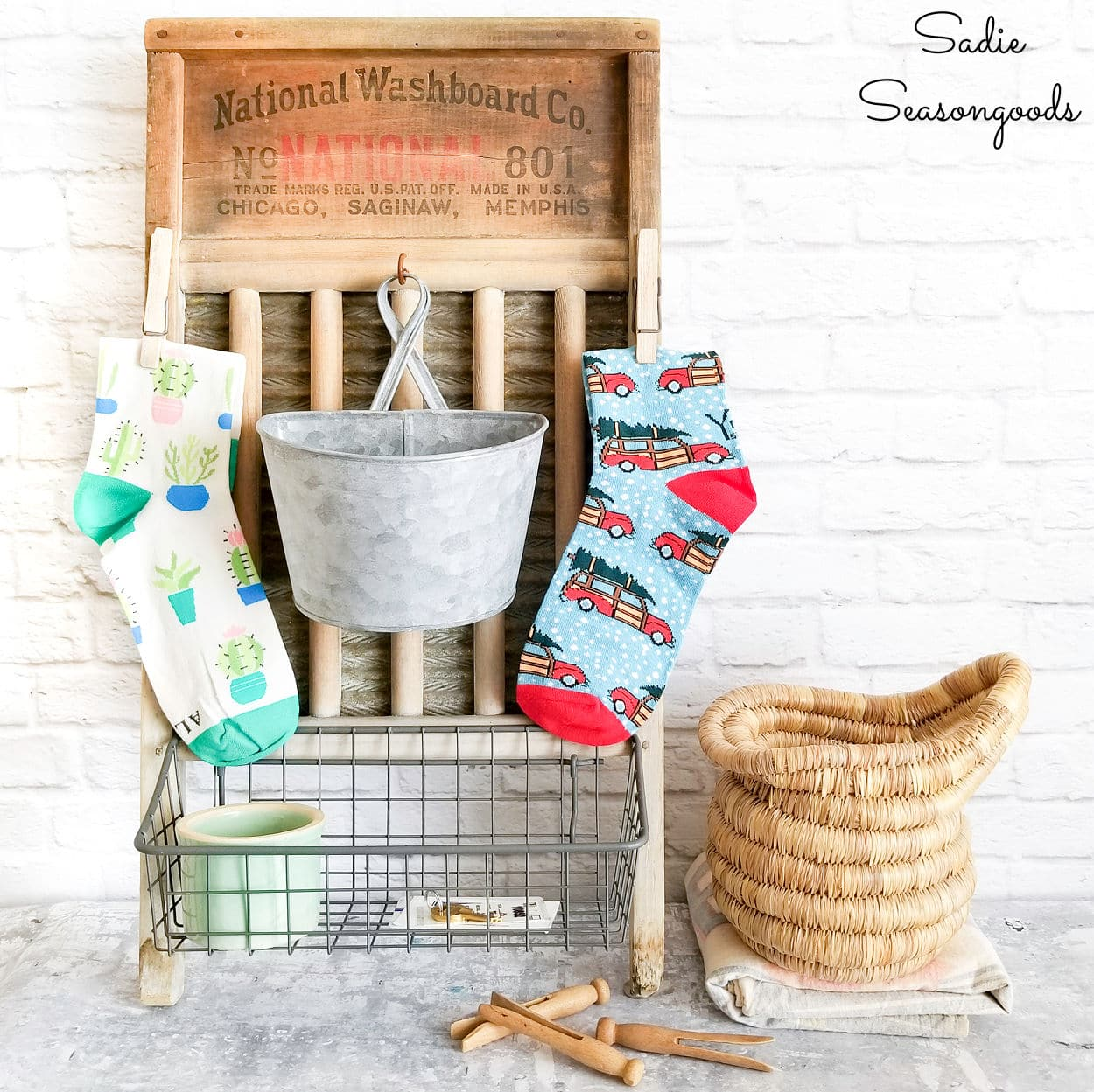 Washboard Decor for the Laundry Room