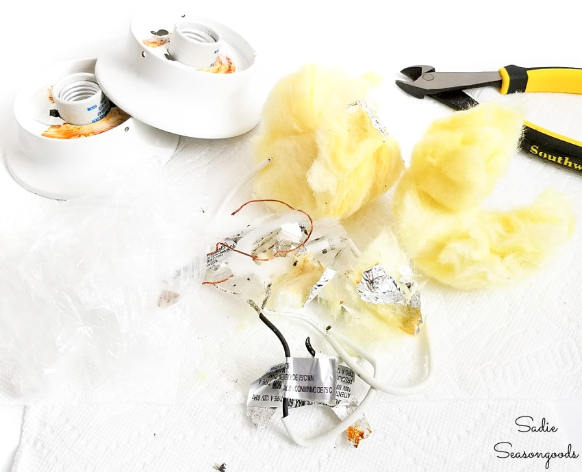 Removing the electrical components from jelly jar lights
