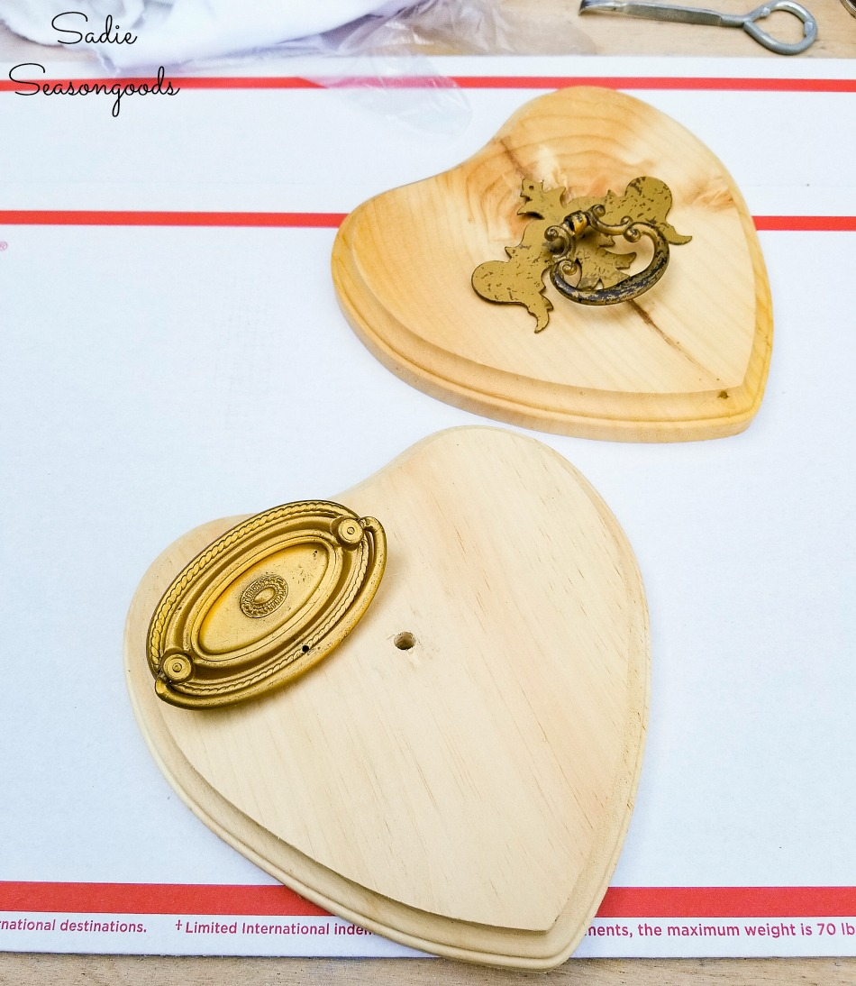 DIY valentine decorations with vintage drawer pulls and wooden hearts