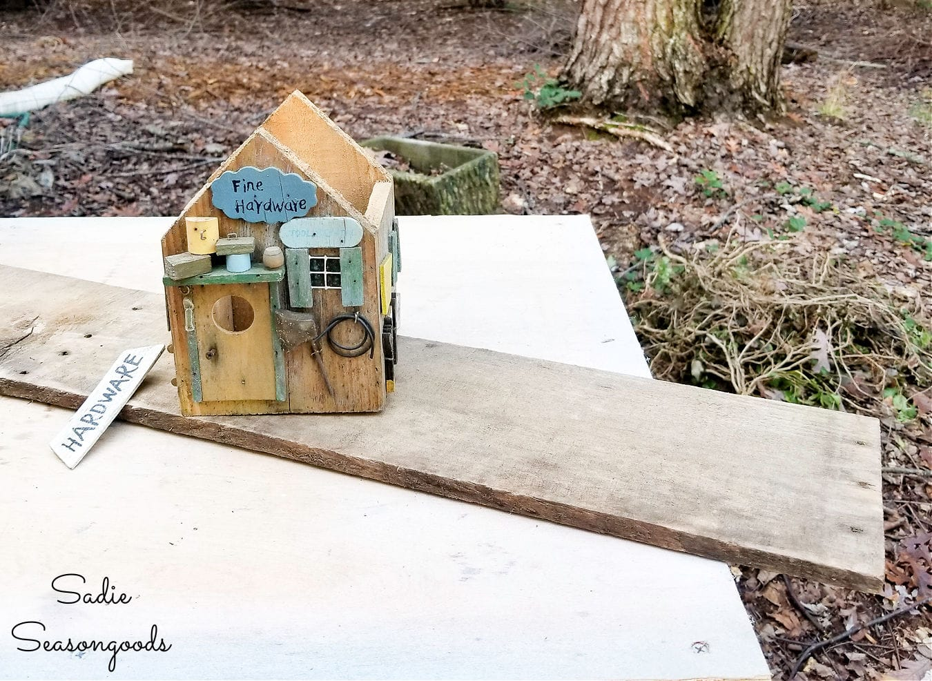birdhouse roof from barnwood
