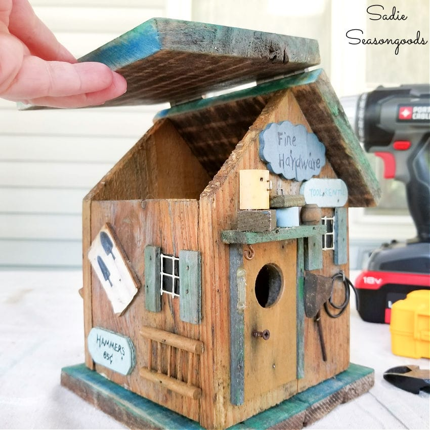 birdhouse with a hinged roof