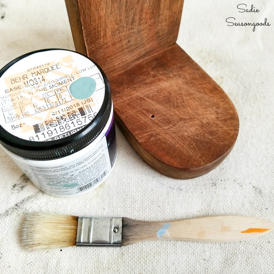 Painting the vintage farmhouse decor with Behr In the Moment