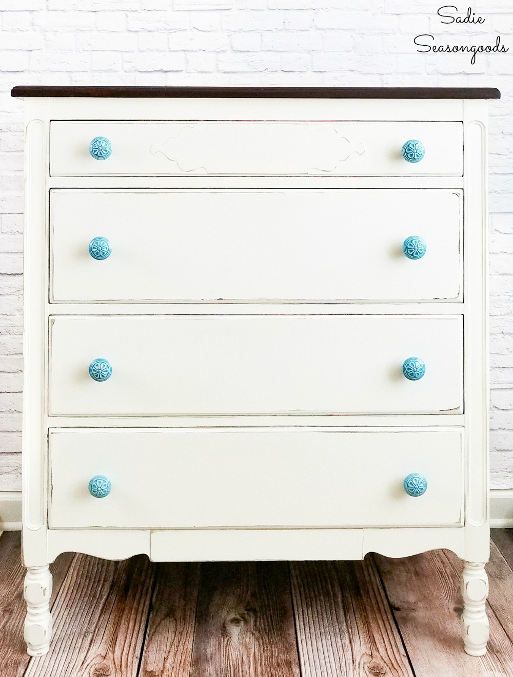 Painted bedroom furniture as inspiration for wooden music box
