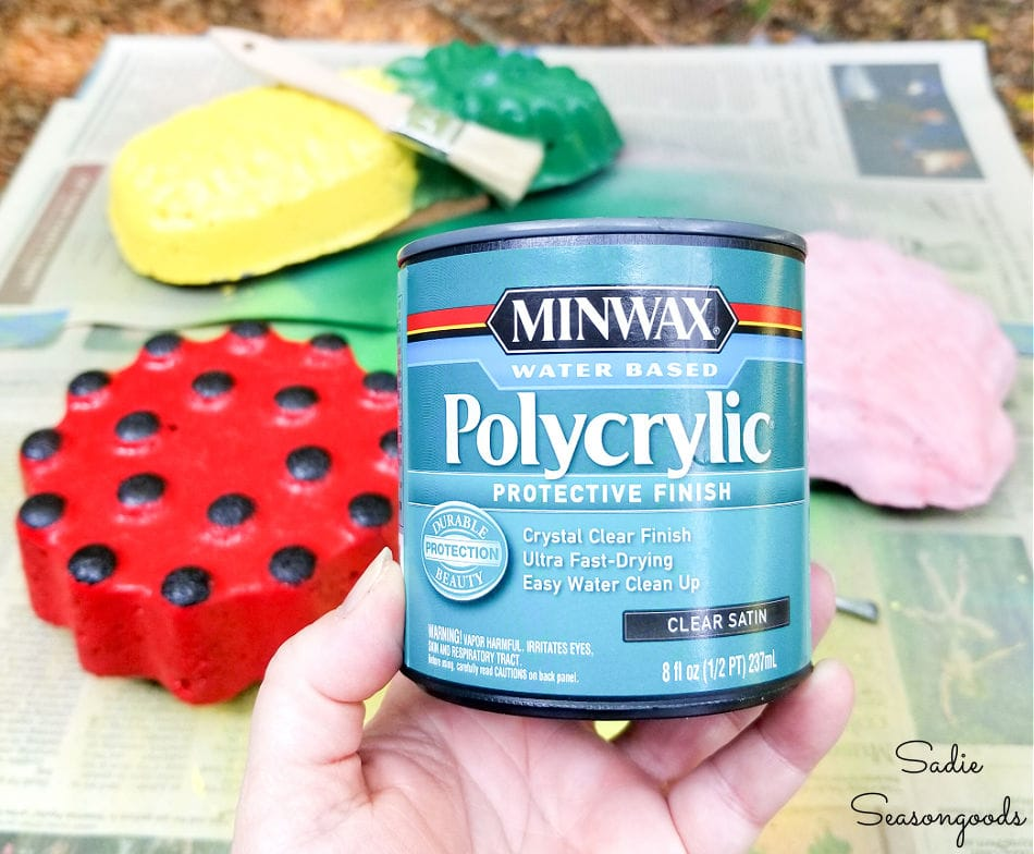 sealing the DIY garden stones with polycrylic
