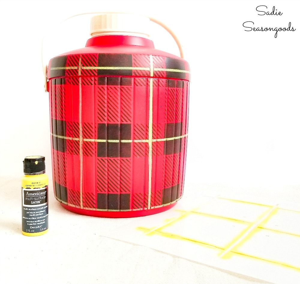 Getting the look of a Skotch Kooler for plaid Christmas decor