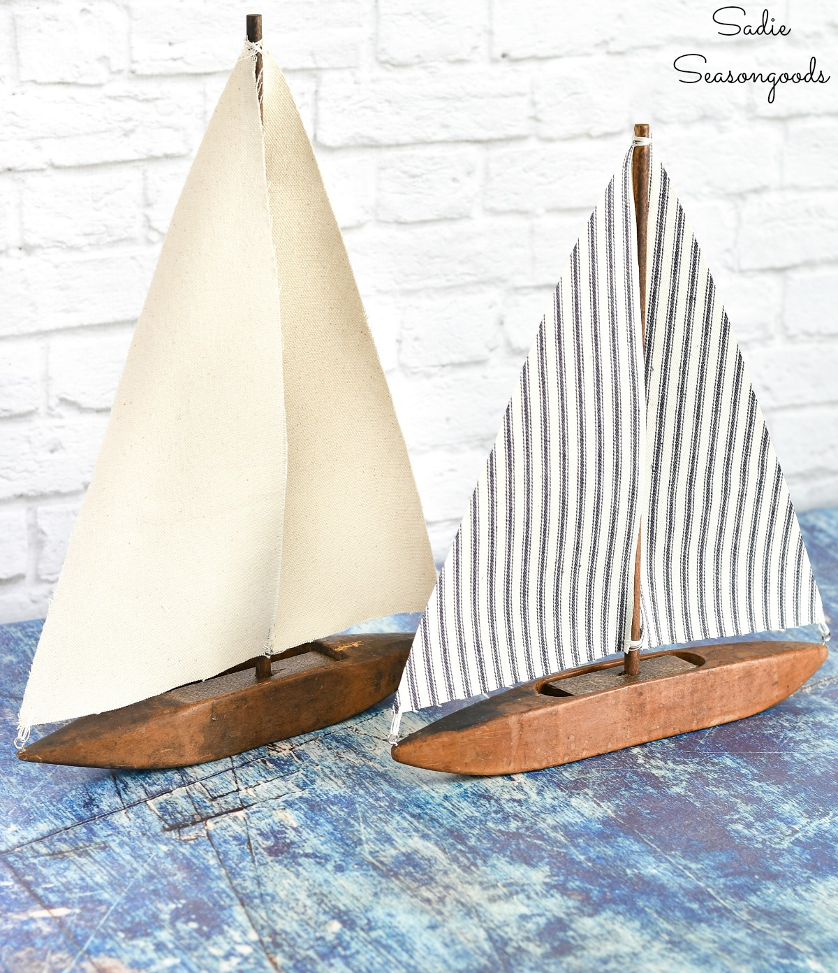 Sailboat decor from a weaving shuttle