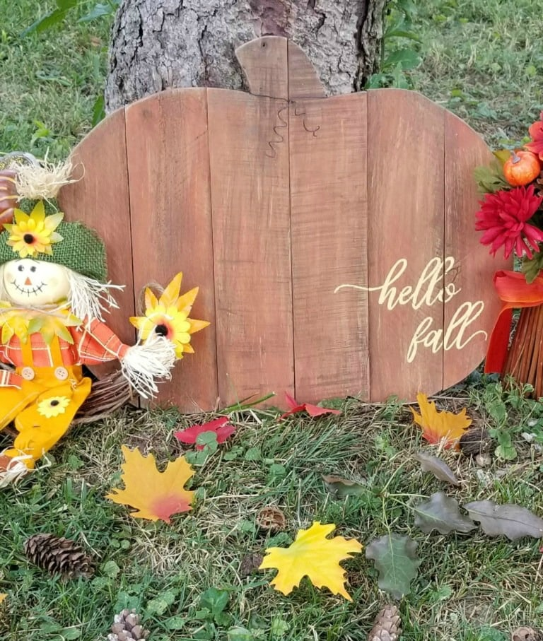 Pallet Pumpkin and rustic sign for autumn home decor