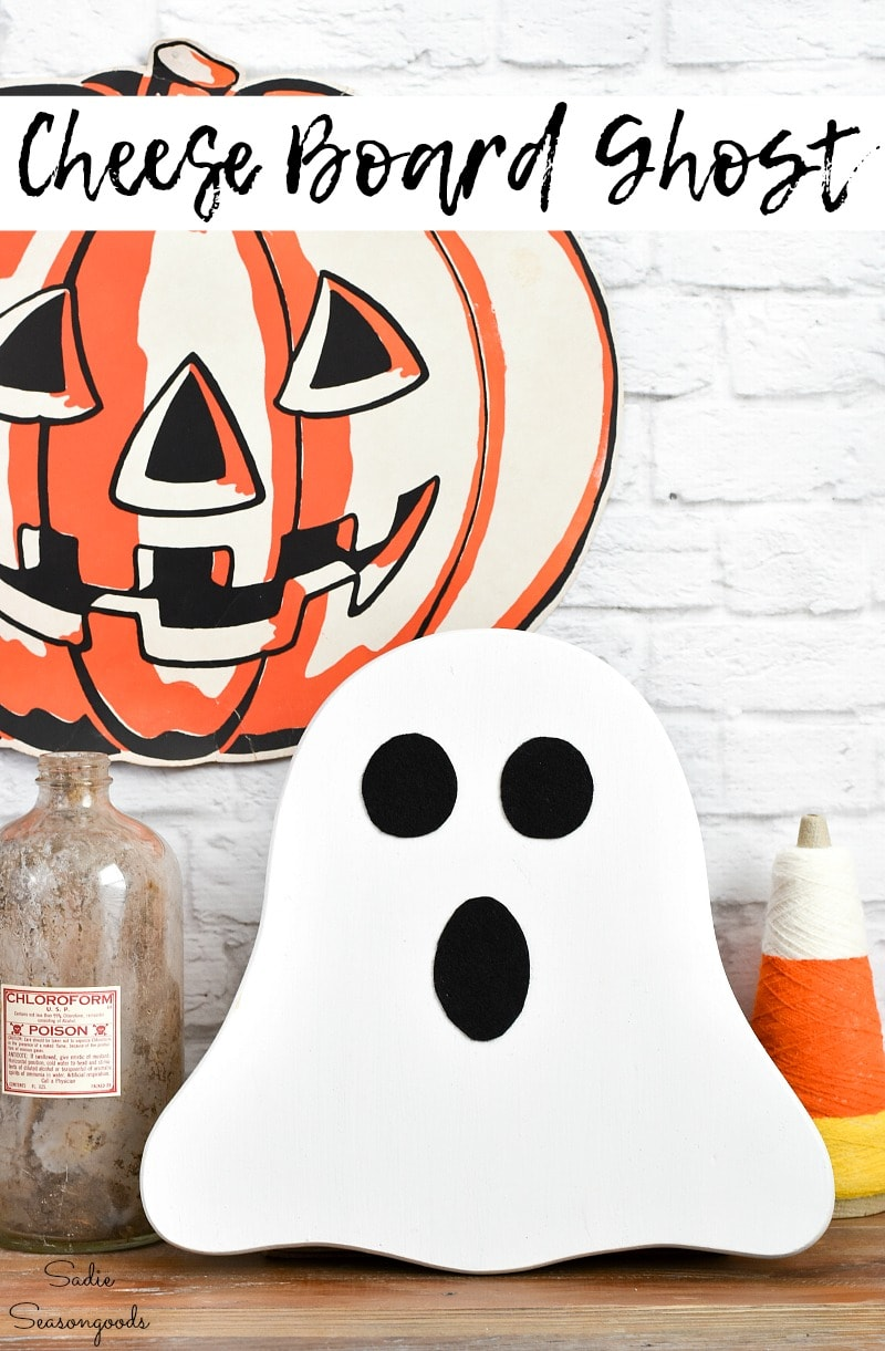 Upcycling a wooden cheese board as a Halloween ghost decoration