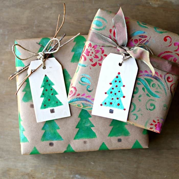 DIY Christmas wrapping paper with rubber stamps and stencils by Petticoat Junktion