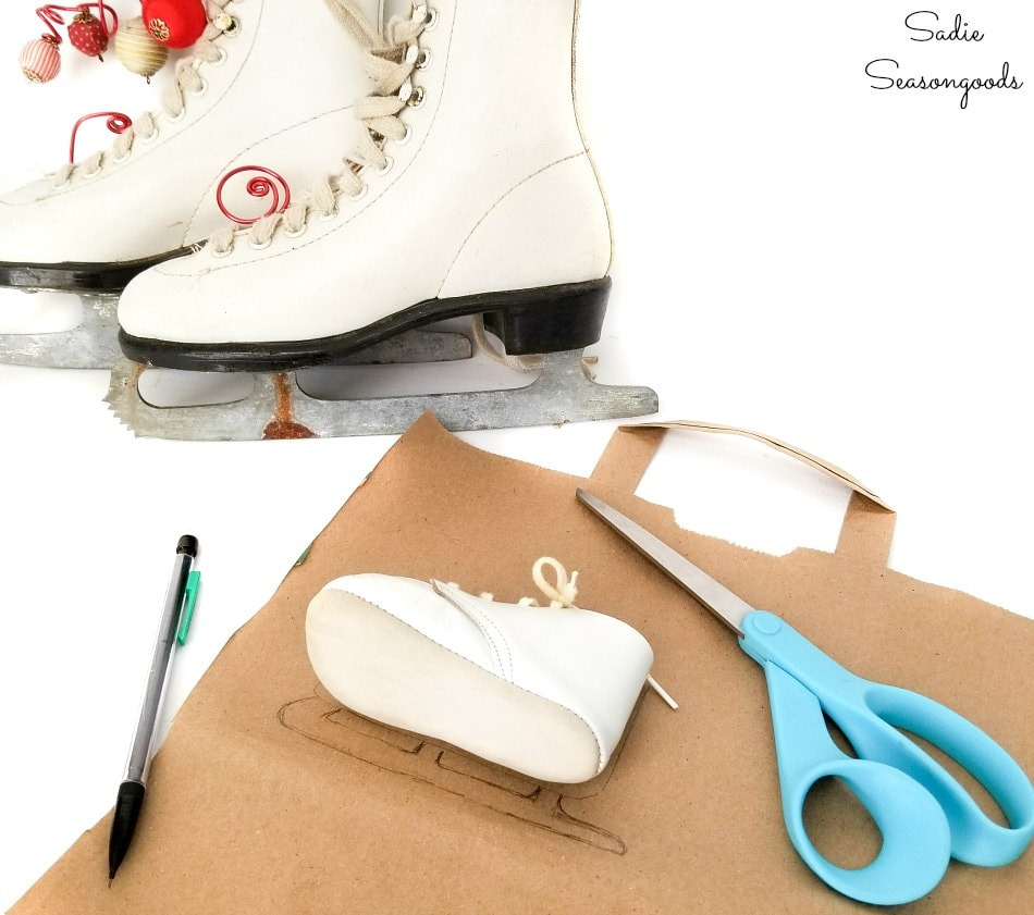 How to make baby ice skates for a Christmas wreath