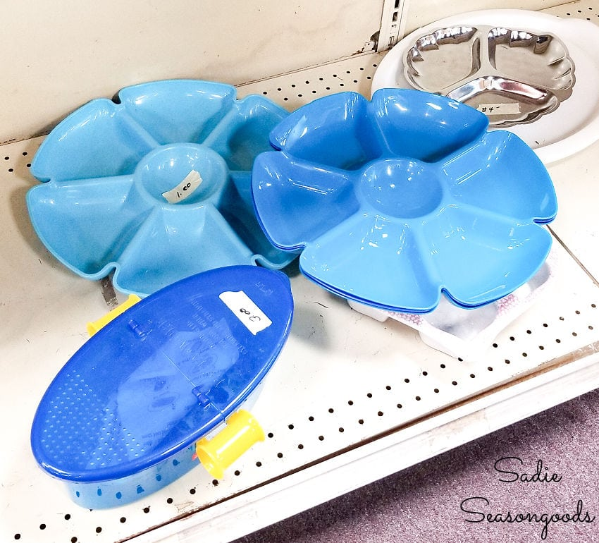 plastic divided trays